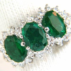 3.47ct 18Kt Natural Vivid Green Emeralds Diamond